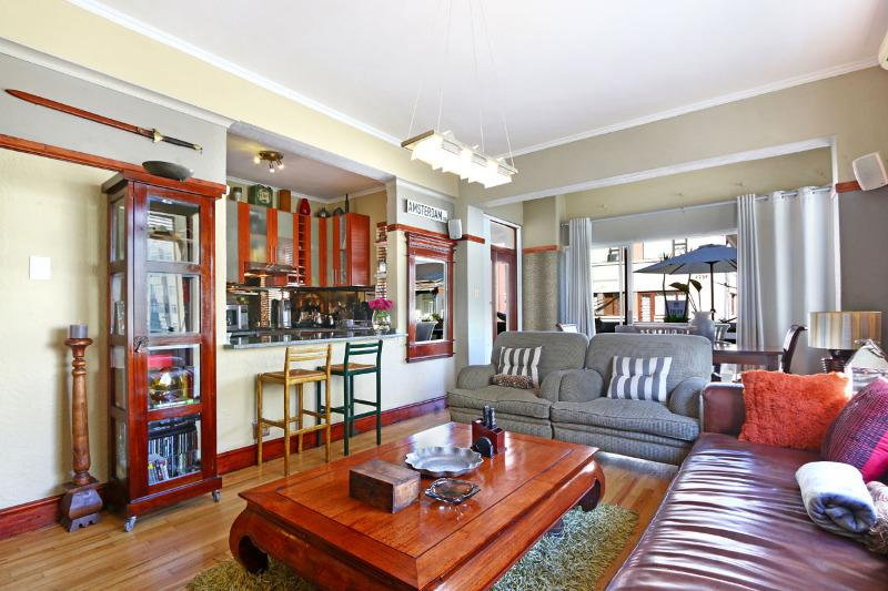 Property For Sale in Sea Point, Cape Town 5