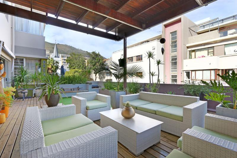 Property For Sale in Sea Point, Cape Town 17