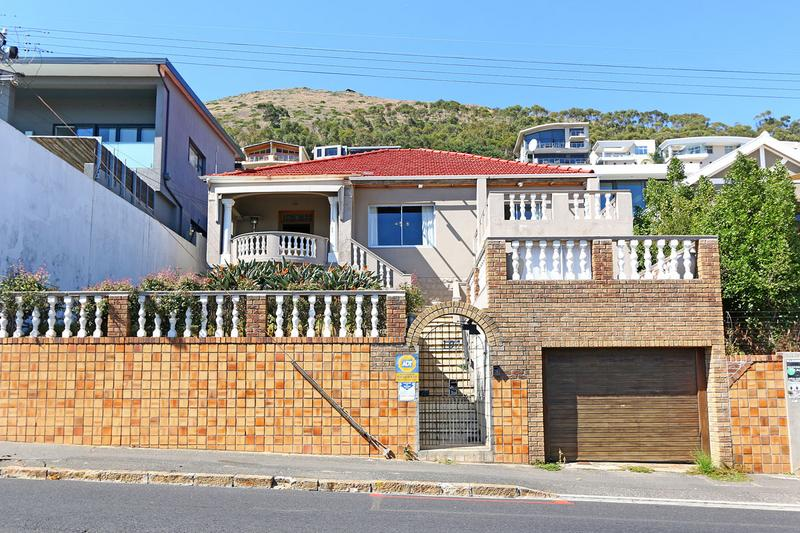 Property For Sale in Green Point, Cape Town 1