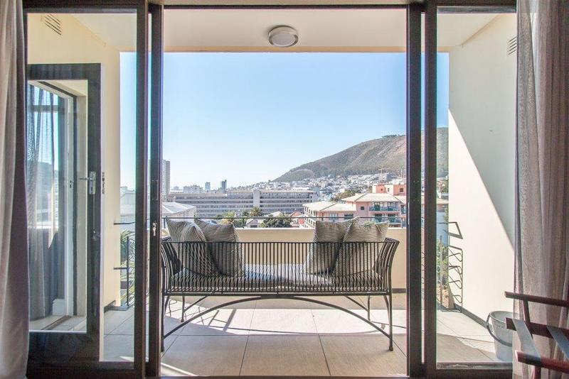 Property For Sale in Sea Point, Cape Town 6