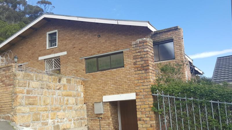 Property For Sale in Sea Point, Cape Town 4