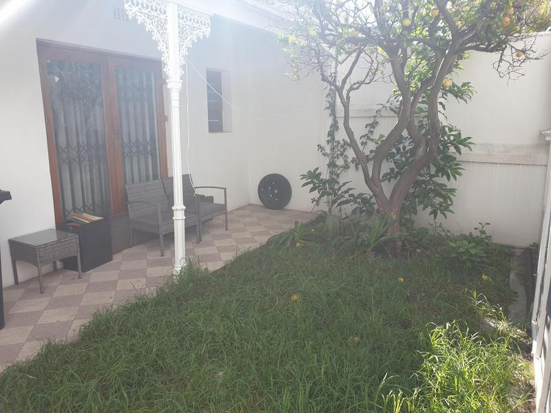 Property For Sale in Gardens, Cape Town 14