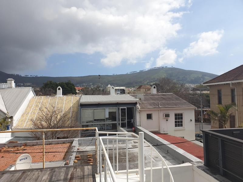 Property For Sale in Gardens, Cape Town 16