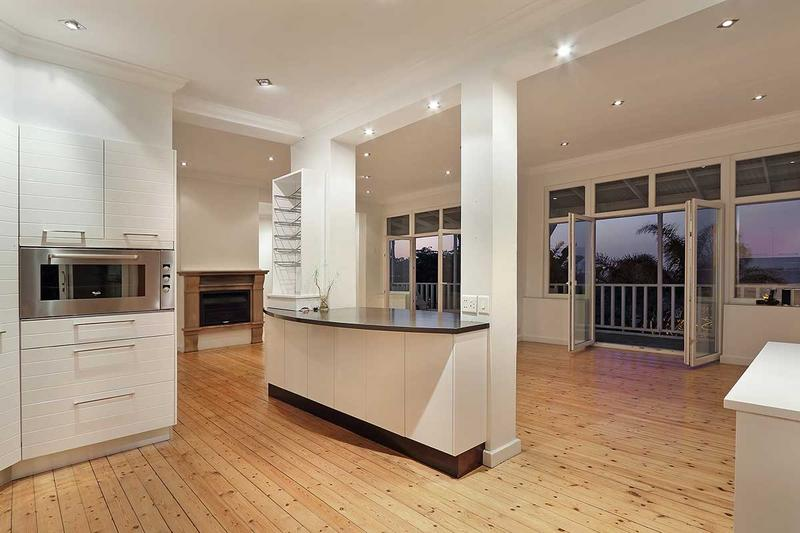 Property For Sale in Green Point, Cape Town 18