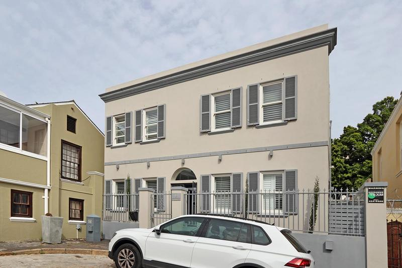Property For Sale in Green Point, Cape Town 25