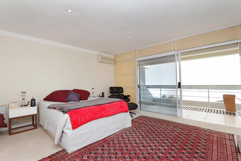 Property For Sale in Sea Point, Cape Town 16