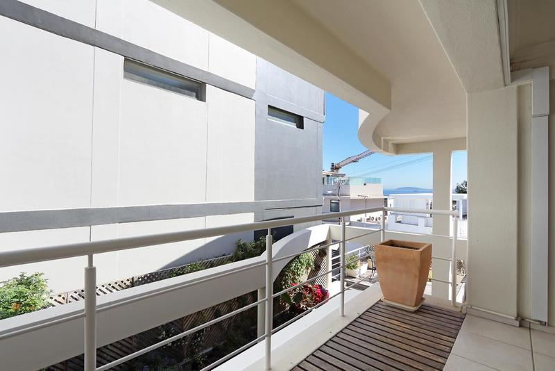 Property For Sale in Sea Point, Cape Town 18