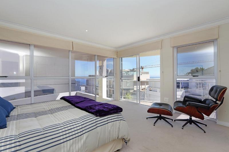 Property For Sale in Sea Point, Cape Town 20