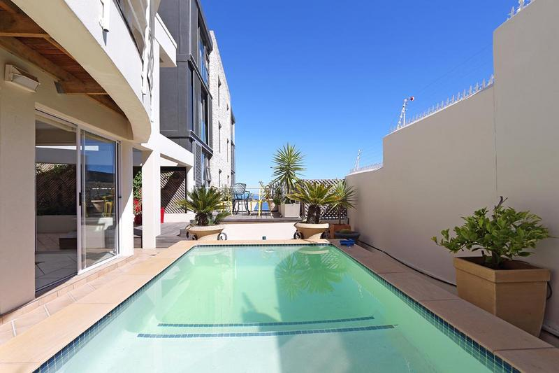 Property For Sale in Sea Point, Cape Town 28