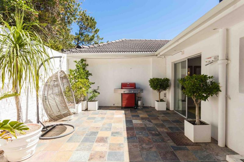 Property For Rent in Camps Bay, Cape Town 3