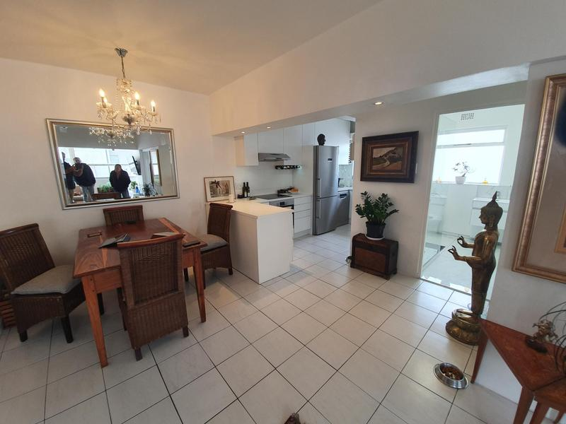 Apartment / Flat For Rent in Sea Point, Cape Town
