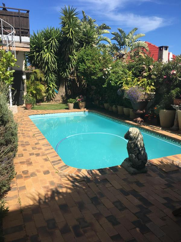 Property For Sale in Green Point, Cape Town 47
