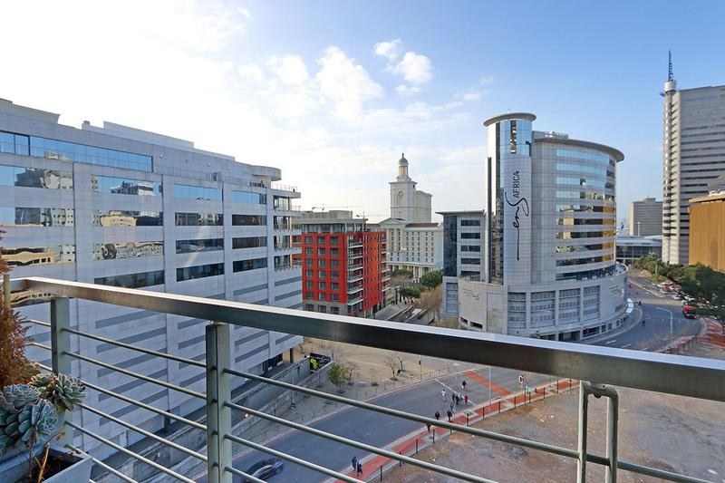 Property For Sale in Cape Town, Cape Town 10