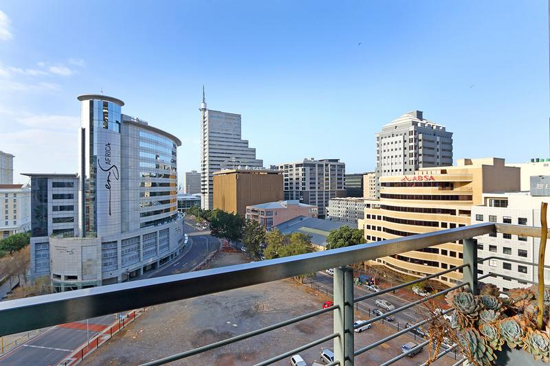 Property For Sale in Cape Town, Cape Town 11