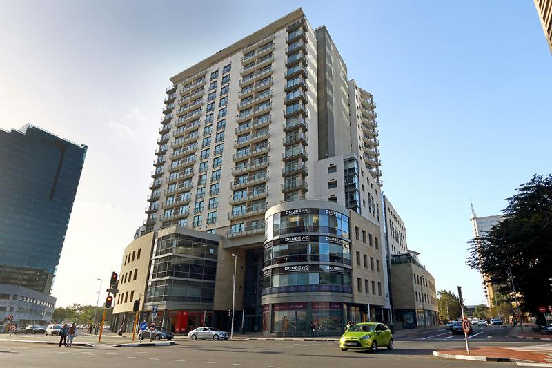 Property For Sale in Cape Town, Cape Town 23