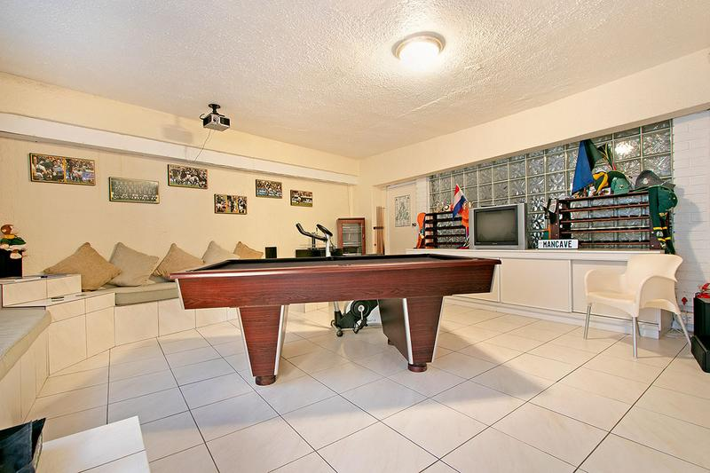 Property For Sale in Green Point, Cape Town 17