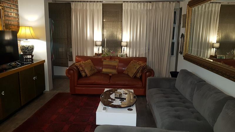 Property For Sale in Sea Point, Cape Town 9